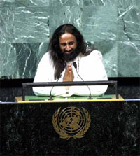 sri_sri_ravi_shankar_addresses_UN_FN-200