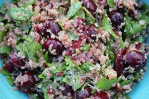ensalada de quinoa almendras y guisantes