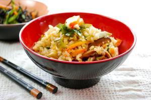 arroz-con-alga-wakame